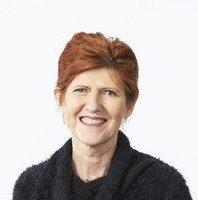 Lynne-Cobiac-photo-002-circle